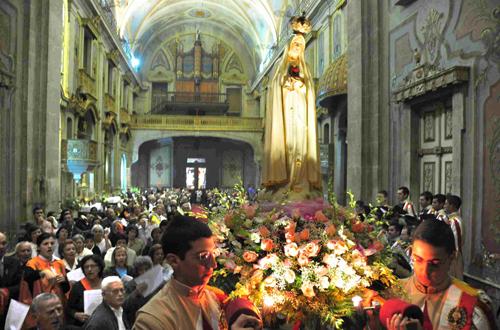 Missa e procissão marcam início do mês de Outubro em Valongo