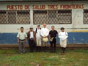 De izquierda a derecha: Hno. José Ignacio S.C.; P. Rafel Ibarguren E.P.; Hno. José María S.C.; Nancy Armijos