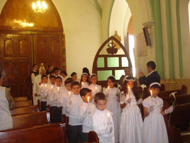 Decoracion Iglesia Para Primera Comunion ~ 20 NI?OS RECIBEN SU PRIMERA COMUNI?N PREPARADOS POR LAS TERCIARIAS