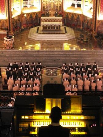 Cântico de Completas, cerimonial assistido pelos anjos