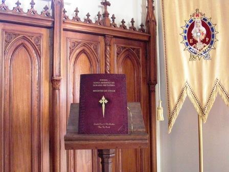 Quantas missas foram celebradas na igreja Nossa Senhora do Rosário?
