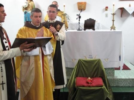 """""""O Senhor abençoou a nossa terra, quando lhe enviou o Salvador."""" A capela de Santa Inês, viveu este acontecimento de modo muito especial…"""