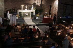 "Adoración al Santísimo Sacramento durante ""Una tarde con María"""