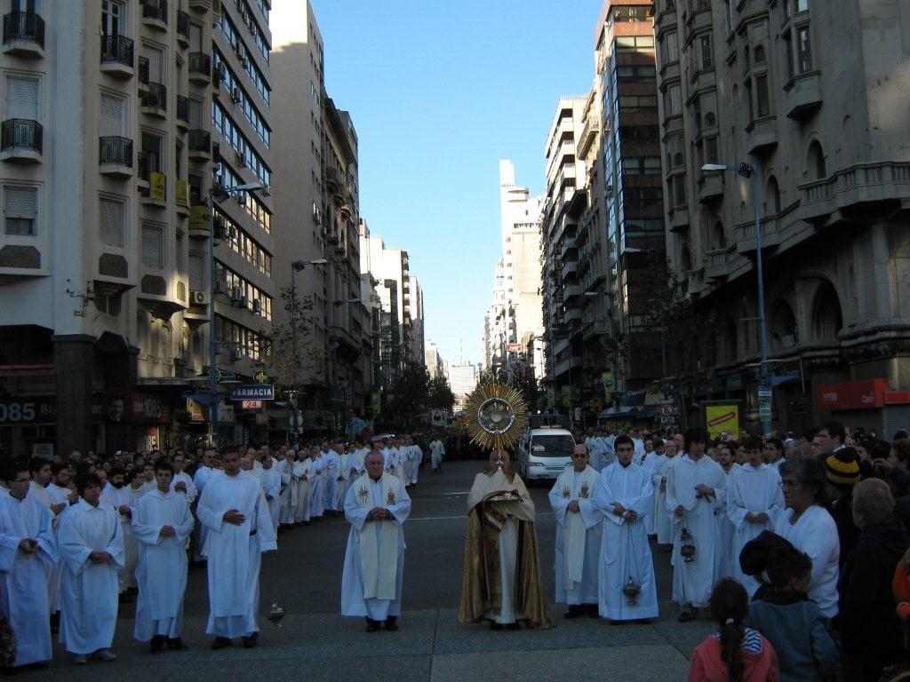 Procesión de Corpus Christi en Montevideo
