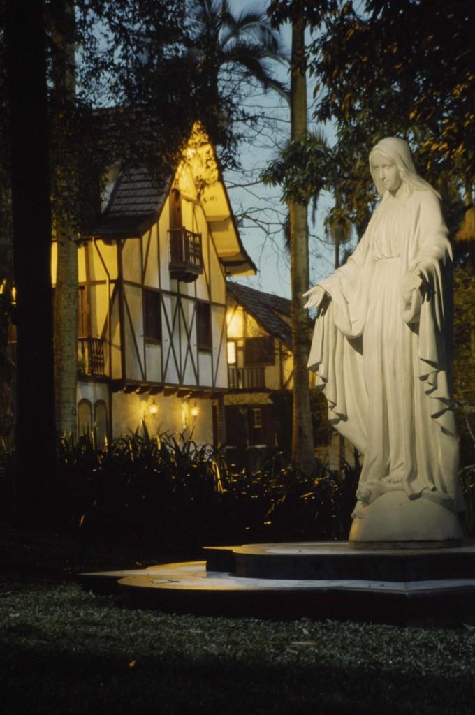 Aspectos da devoção a Nossa Senhora