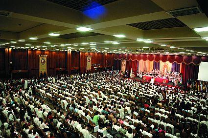 Vindos dos mais diversos estados e nações, os 2.500 participantes do IV Congresso lotaram o auditório do Centro de Convenções do Hotel Gran Meliá, em São Paulo