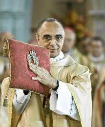 Mons Joao e as chaves da Igreja