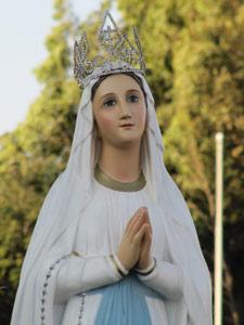 Celebración de las Apariciones de Lourdes