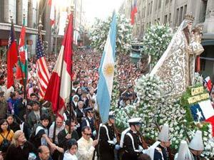Multitudinarias Procesiones en Día de Oración por Chile