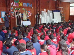 En Viña del Mar: visita al Colegio San Ignacio