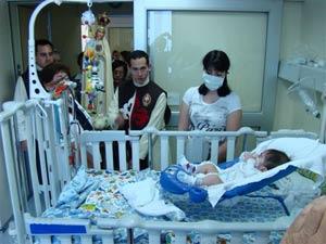 La Imagen Peregrina visita el Hospital de la Univesidad Católica de Chile