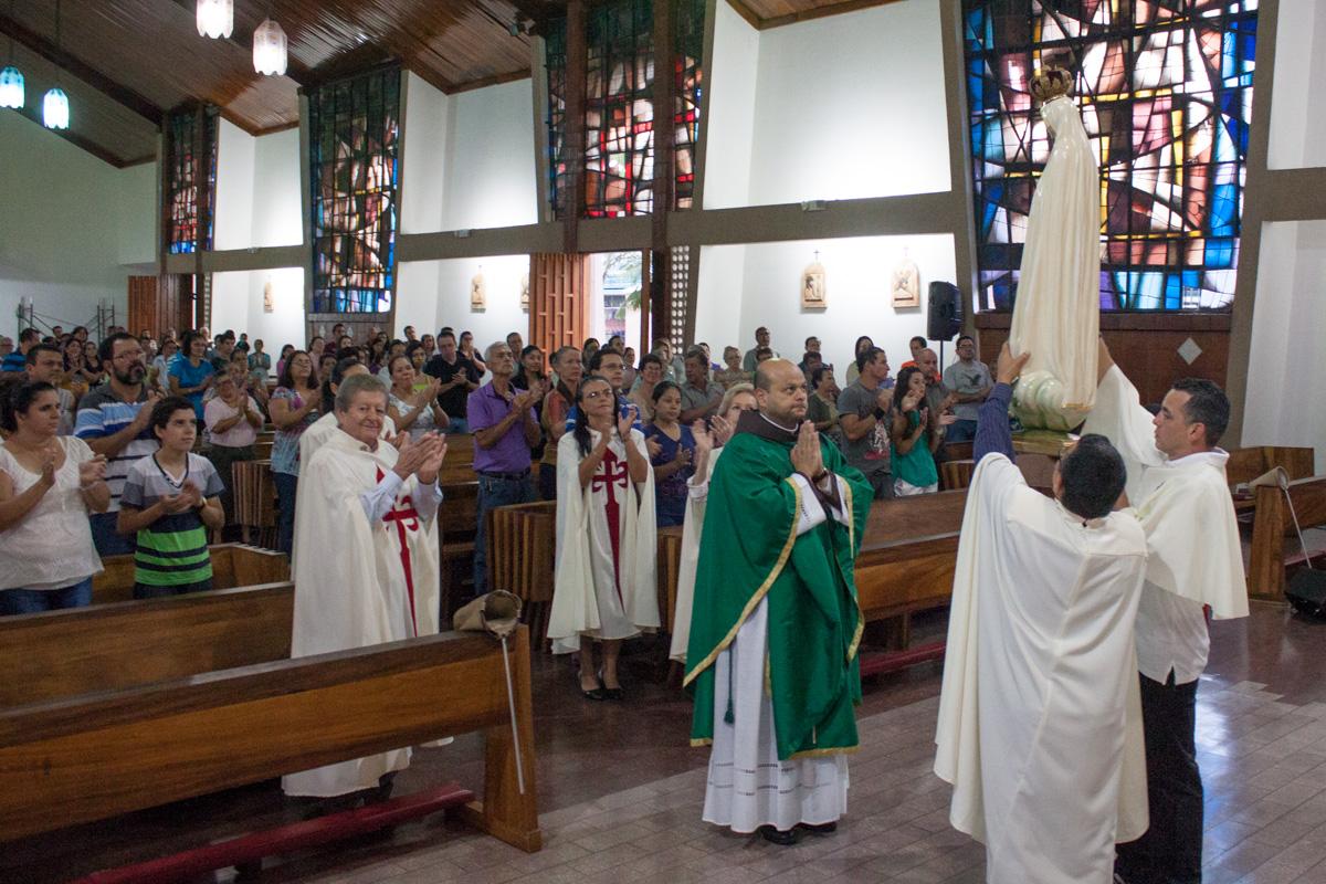 Santa Misa en el Barrio San José de Alajuela