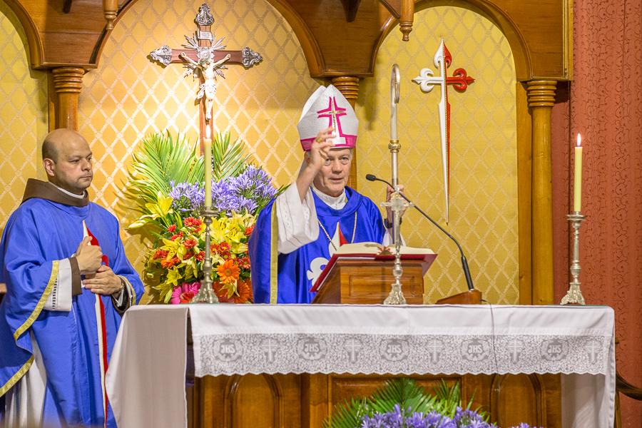 Misa con el Sr. Nuncio Apostólico y Bendición del Portal