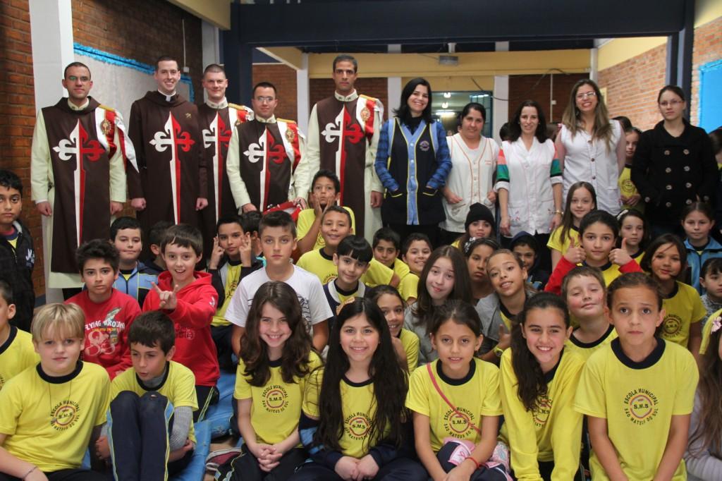 Projeto Futuro e Vida nas Escolas Madre Anatólia e São Mateus do Sul
