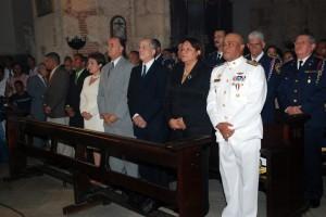 Autoridades civíles y militares durante la Misa del Cardenal Lopez Rodriguez