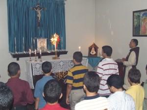 Momentos de adoración al Santísimo Sacramento