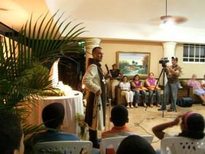 El heraldos Eduardo Mojica explica a las familias en que consiste el Apostolado del Oratorio