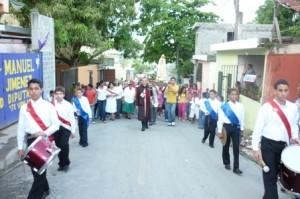 Banda Juvenil prestando Honores a Cristo Rey