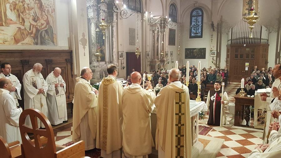 S.Messa con l'offerta della lampada mariana perpetua a Borbiago – Mira (VE)