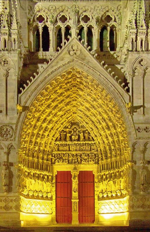 Araldi del Vangelo e il Buon Dio di Amiens.