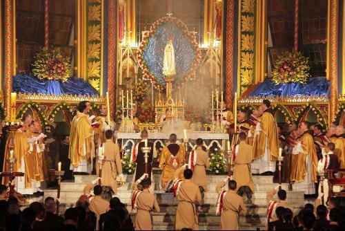 Ceremonia del día de la erección como Basílica
