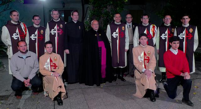 Primera Misa del P. Claudio en Santa Julia