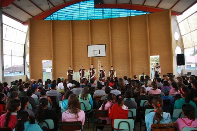 Projeto Juventude tem Concerto na Escola Municipal Eladir Skibinski