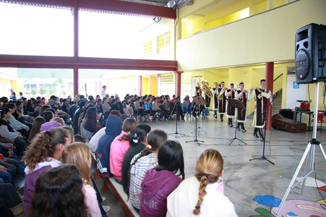 Projeto Futuro & Vida na Escola Municipal Professor Sylvio Sniecikovski