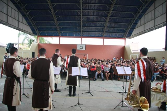 Projeto Futuro & Vida na Escola Municipal Rosa Maria.