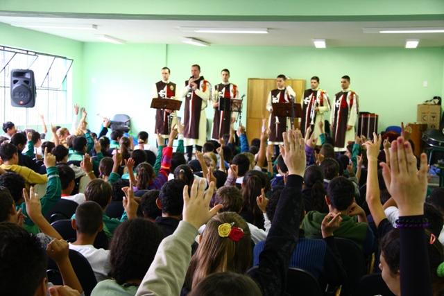 Projeto Futuro e Vida na Escola Antônia Alpaídes Cardoso dos Santos