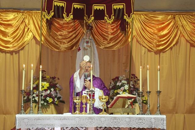 Dom Irineu inaugura presépio dos Arautos em Joinville
