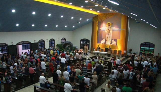 Arautos participam da Novena de Nossa Senhora de Lourdes