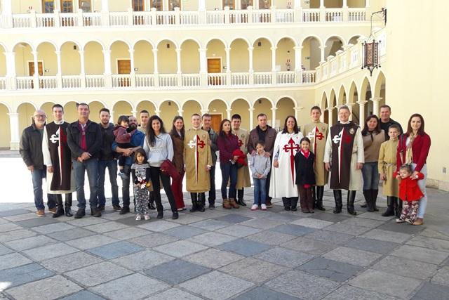 Famílias visitam a casa de formação dos Arautos