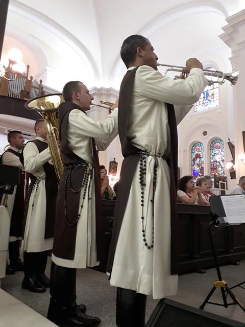 Ato de devoção a Nossa Senhora em Florianópolis