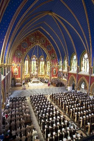 Oficio dominical cantado em estilo gregoriano na Igreja Nossa Senhora do Rosário pertencente aos Arautos do Evangelho de São Paulo, Brasil