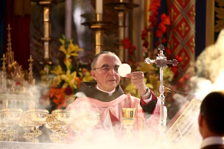 Mons. João Clá celebrando a Santa Missa