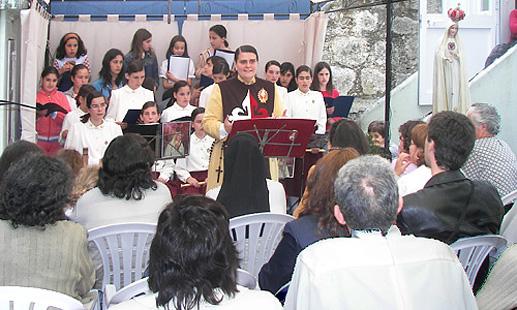 Apresentação do coro para os familiares