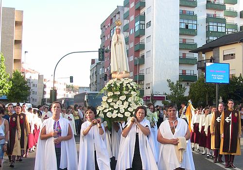 Procissão com a Imagem Peregrina de Nossa Senhora de Fátima