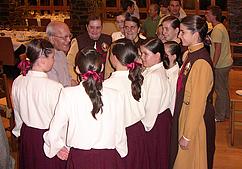 D. António Montes saúda o Sector Feminino dos Arautos do Evangelho