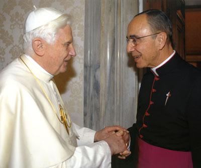 Papa Bento XVI recebe Mons. João Clá Dias